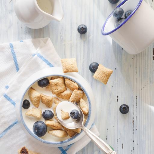 餐点 蓝莓 水果 膨化食品