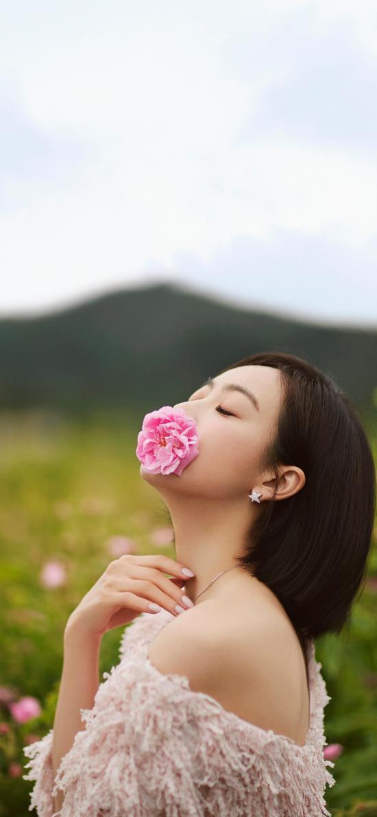 明星 演员 宋茜 写真 花(取自站酷网:修图师Pang大海)