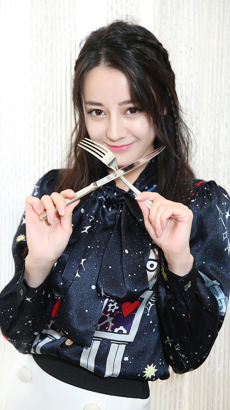 迪丽热巴 胖迪 演员 明星 艺人 苹果手机高清壁纸 750x1334 爱思助手