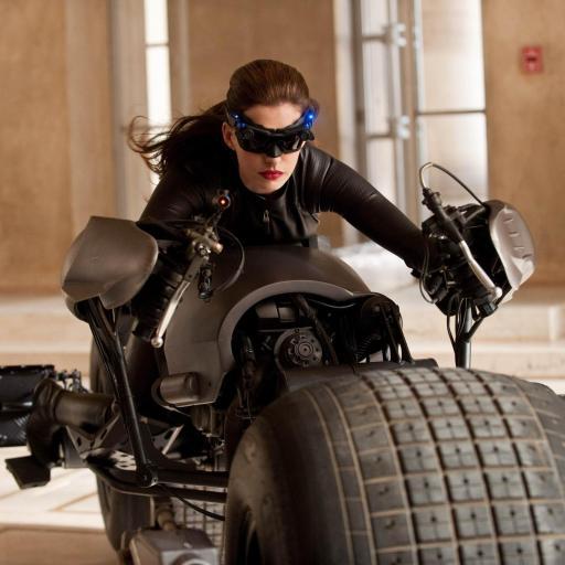 黑暗骑士崛起 安妮?海瑟薇 摩托车 彩色