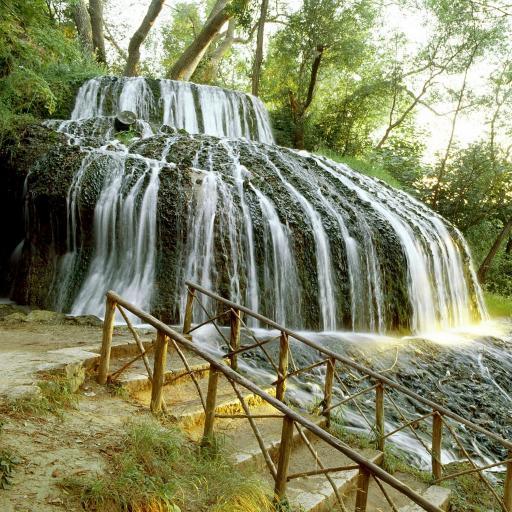 森林壁纸 仙境 流水 树 瀑布