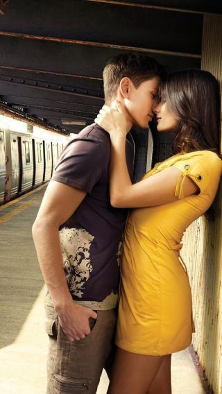 iPhone5高清壁纸10214296 甜蜜的吻 爱情壁纸