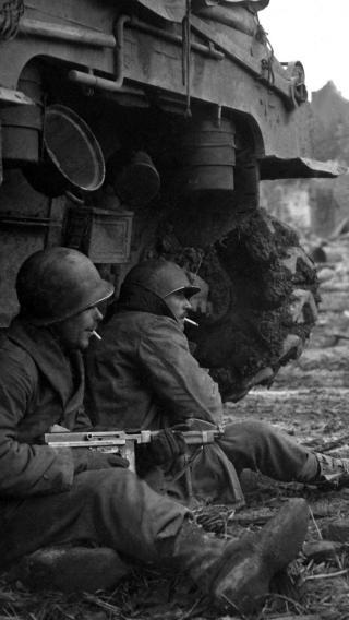 战争 军人 士兵 黑白 持枪