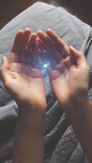 手捧 星辰 梦幻