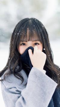 女生 下雪 围巾