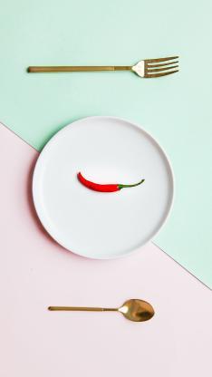 叉子 勺子 盘子 辣椒