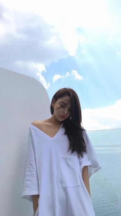 小清新 女生 白T恤