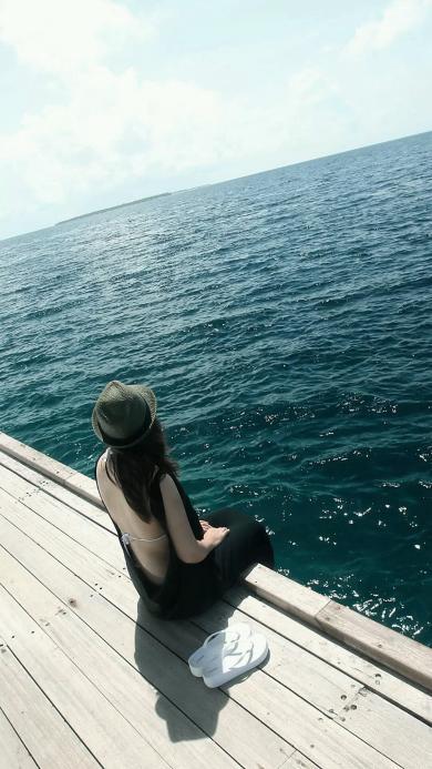 美女 背影 大海 性感