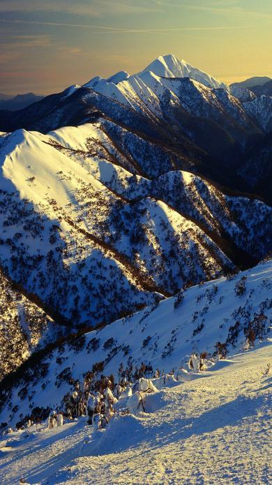 雪山之巅 阳光 冬日
