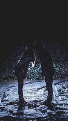 情侣 吻 爱情 雪地 下雪 背光