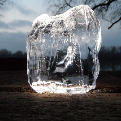 会发光的冰块