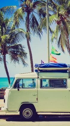 露营车  汽车 海边 椰子树 绿色