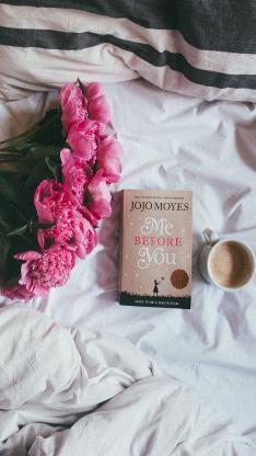 花 玫瑰 花束 紅 咖啡 書籍