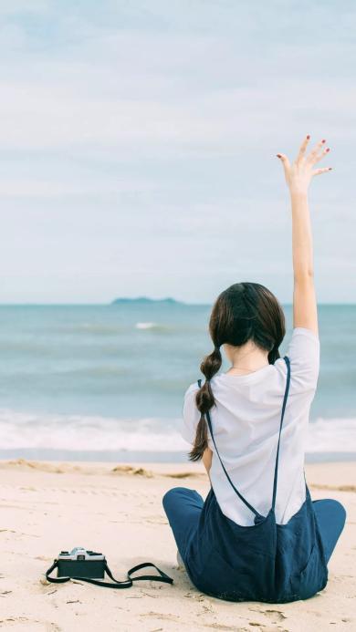 海边 美女 背影 相机 沙滩