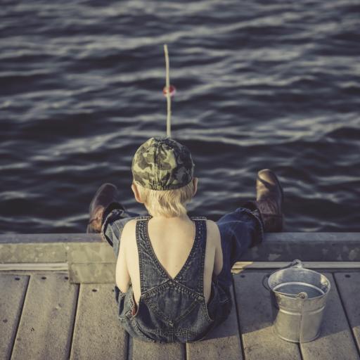 欧美小男孩 钓鱼 金发