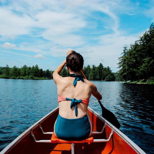 曼妙美女背影 划船 山水风光