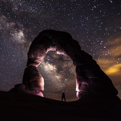 梦幻星空 岩石 背影