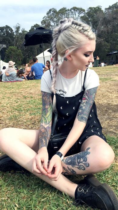 美女 欧美 纹身 金发