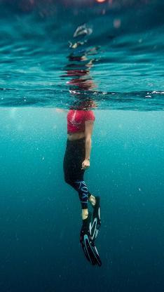 创意潜水拍摄照片