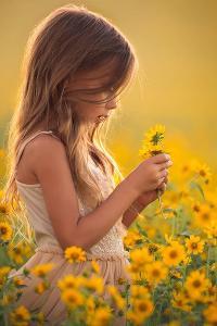 萌娃 女孩 菊花 植物 花园 唯美1