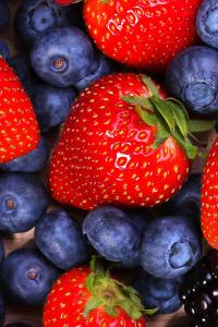 水果 蓝莓 草莓 营养 健康