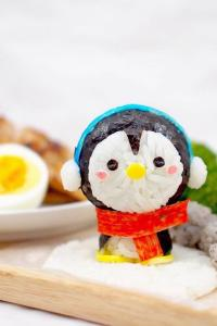可爱诱人小企鹅饭团
