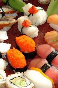 寿司 牛油果 鱼子酱 三文鱼 拼盘