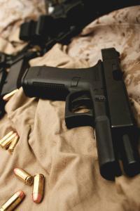 手枪 子弹 军用 武器