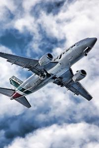 飞机 航空 飞行 蓝天白云 天空