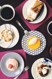 甜点 咖啡 桌上 蛋糕 食品