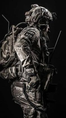 军人 士兵 装备 枪支 战争