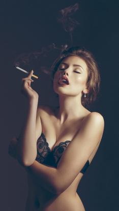 香烟 美女 欧美 性感 比基尼