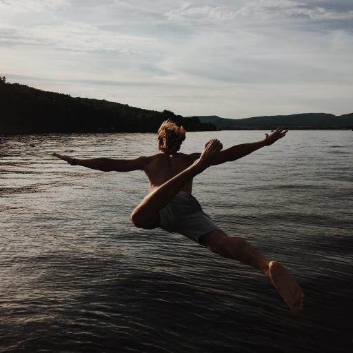 欧美型男 帅气跳水 背影