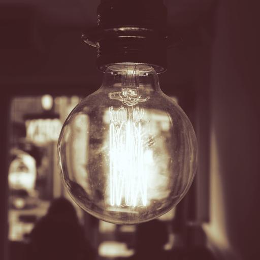 黑白拍摄 灯泡