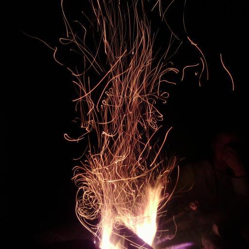 火 火花 木柴 火焰