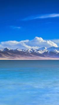雪山 湖水 湖面 蓝色 天空 大自然
