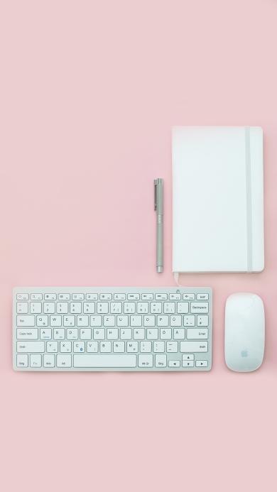粉色背景 静物摆拍 键盘 鼠标 笔