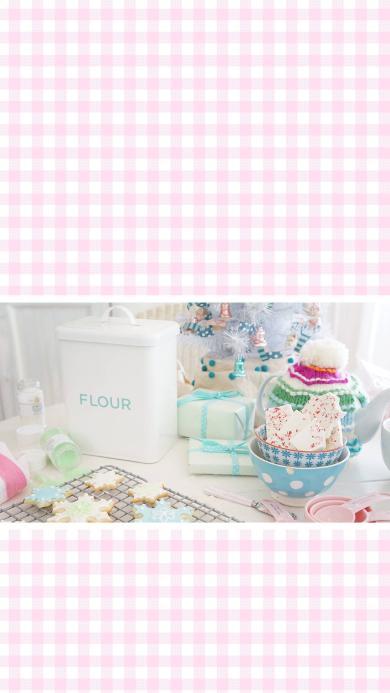 粉色格子背景 雪花造型糖霜饼干