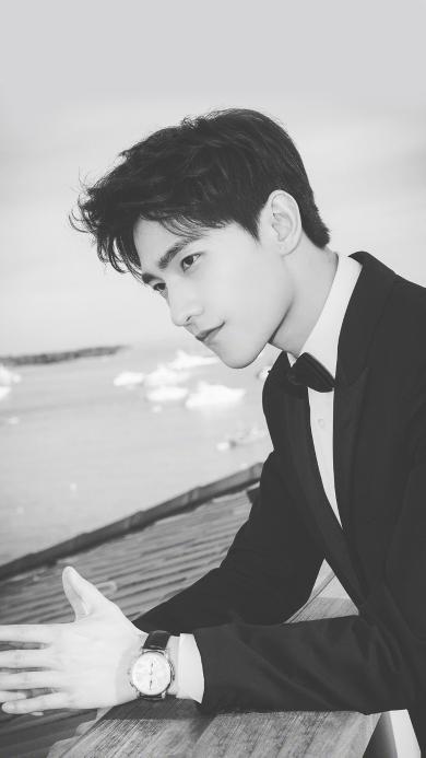 杨洋 明星 演员  黑白