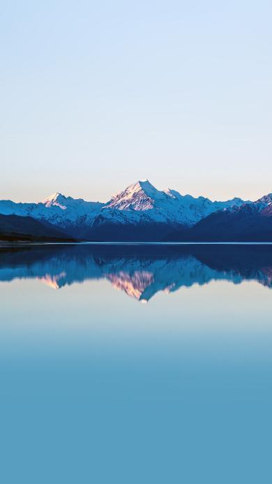 雪山 倒影 对称 蓝色 湖水 湖面 大自然