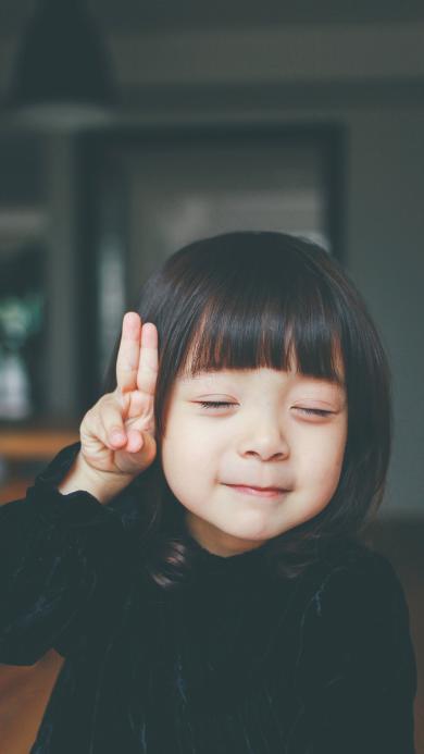 哈琳 小女孩 剪刀手 儿童 萌 可爱