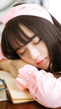 甜美少女 睡觉 长睫毛 写真