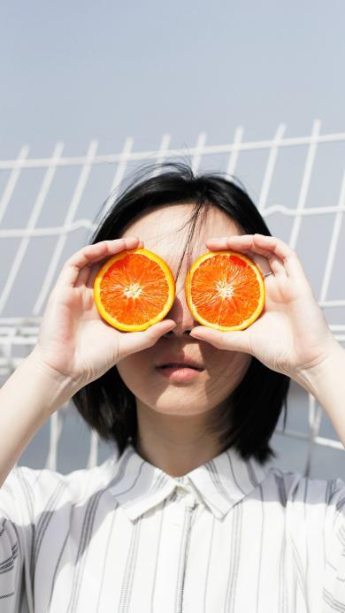 短发搞怪少女 香橙 凹造型