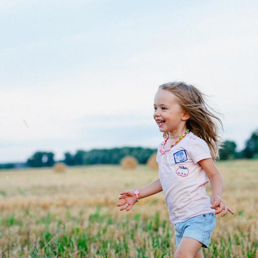 奔跑 萌娃 奔跑 欢乐