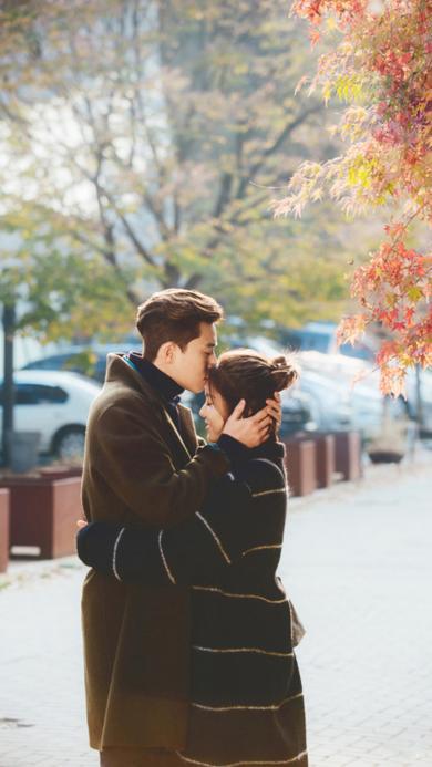 爱情 情侣 拥抱 亲吻