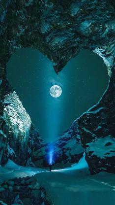 唯美夜景 心形岩石 月球  星空 人物背影