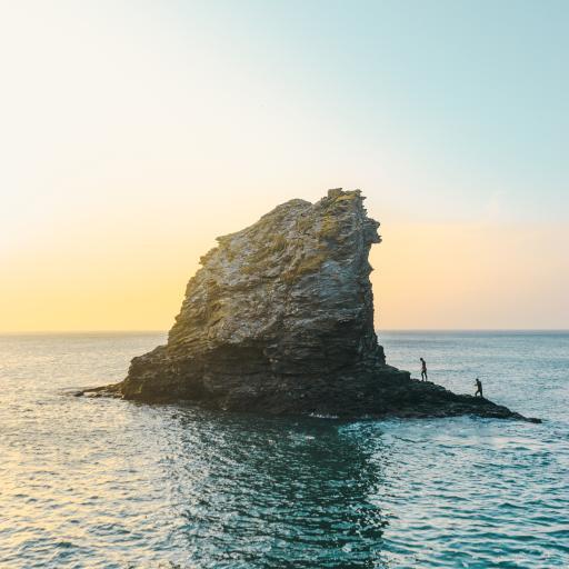 落日 海水 大海 小岛 礁石