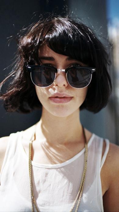 欧美 女生 墨镜 短发