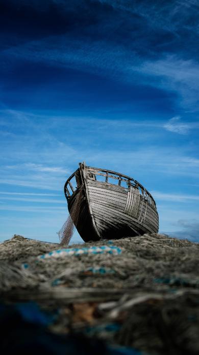天空 木船 破旧 岸边