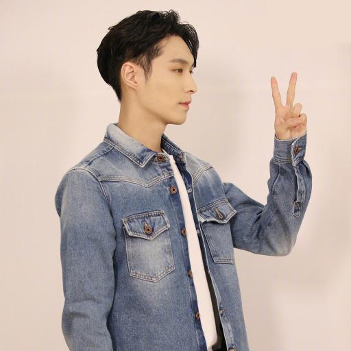 张艺兴 型男 演员 歌手 EXO